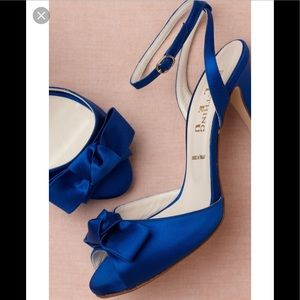 NIB Something Bleu Lambert Knot Heels Sz 6